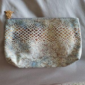 Handbags - NWOT make up bag